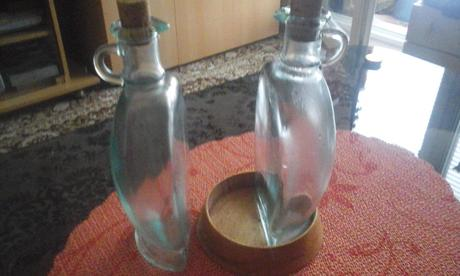 2x flaša v miske,