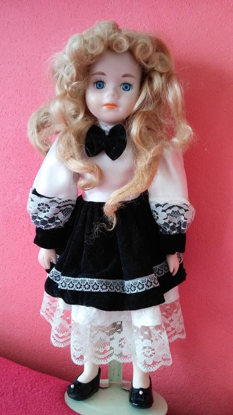 porcelanova babika,