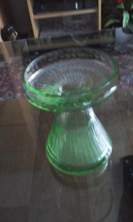 vaza alebo svietnik,