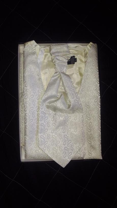 Panska svadobna vesta s kravatou, 54