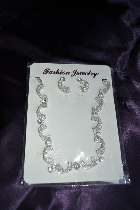 štrasovy set náušnice a náhrdelník,