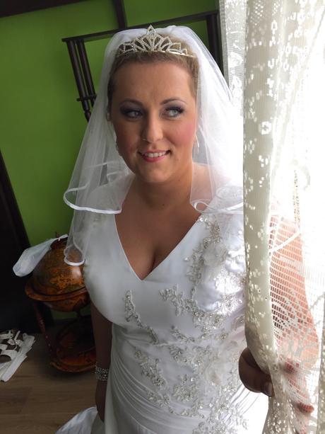 Svadobné šaty s katedrálnou vlečkou (pôvod Dubaj), 48