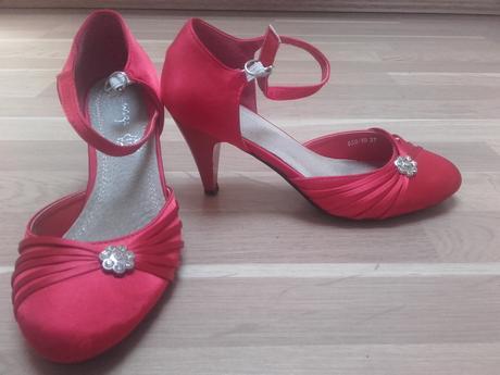 Červené spoločenské topánky, 37