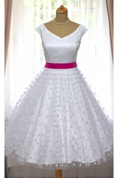svatební retro šaty bílé s puntíky a modrou stuhou, 42