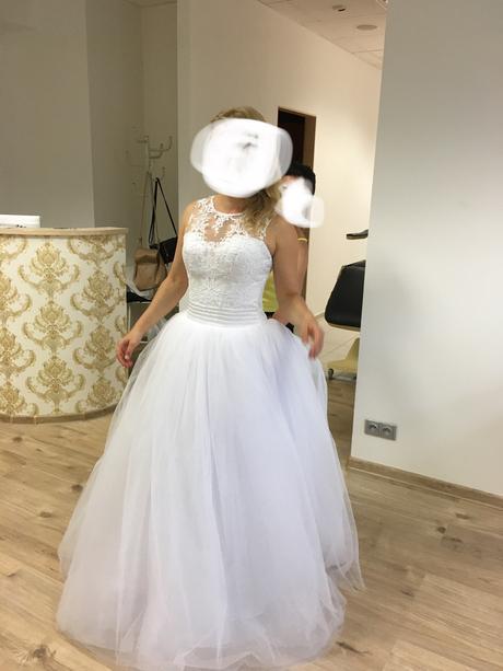 Princeznovské svatební šaty na knoflíčky, 36