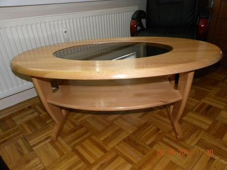 drevený konferenčný stolík,