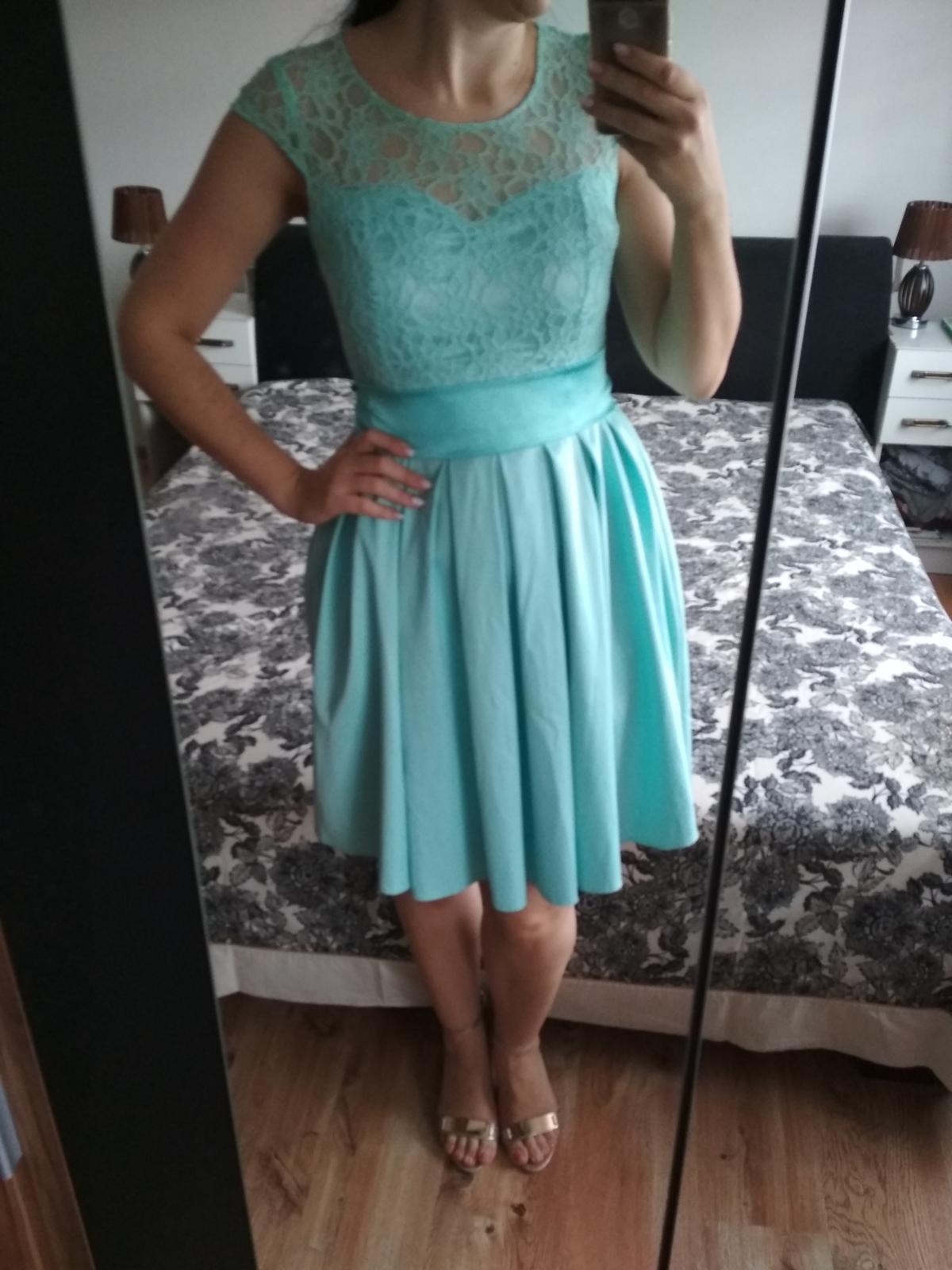 fe931e53d4ac Mentolové krátke dámske šaty