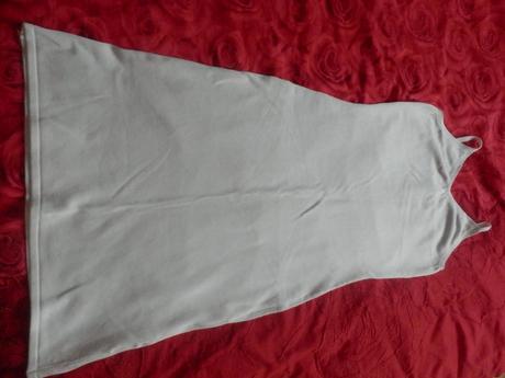 Světlé šaty Vertigo z butiku Comtessa, 38