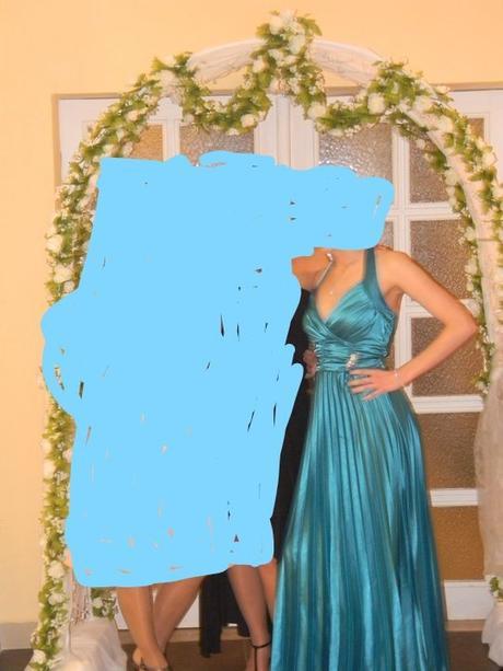 Dlhé spoločenské šaty s viazaním okolo krku 458fc3232d6