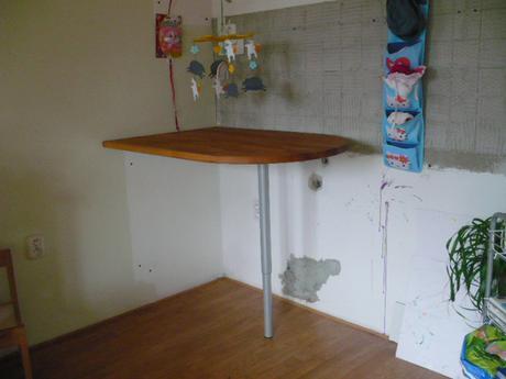 Deska stolu a noha,