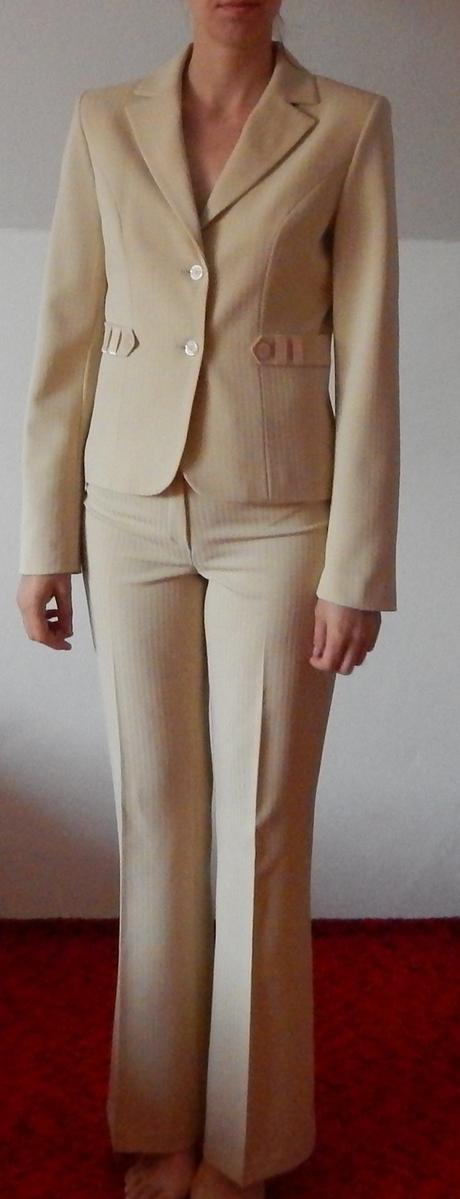 Elegantný nohavicový kostým, 36