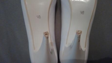 Svadobné lodičky, 39