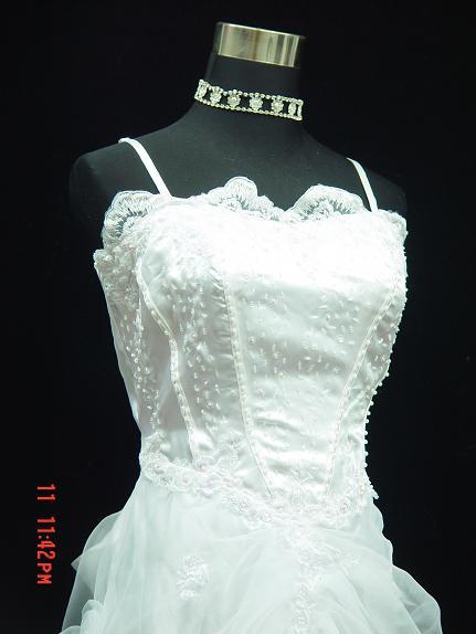 Jednoduche svadobne saty, 44
