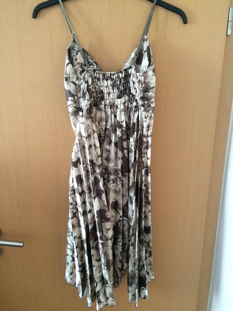 Společenské šaty, 38