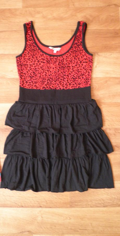 Červeno-černé šaty zn. Clockhouse, XS