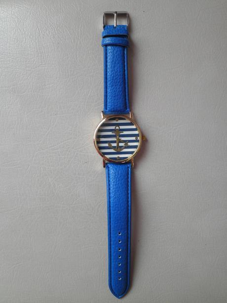 Modré hodinky s kotvou,