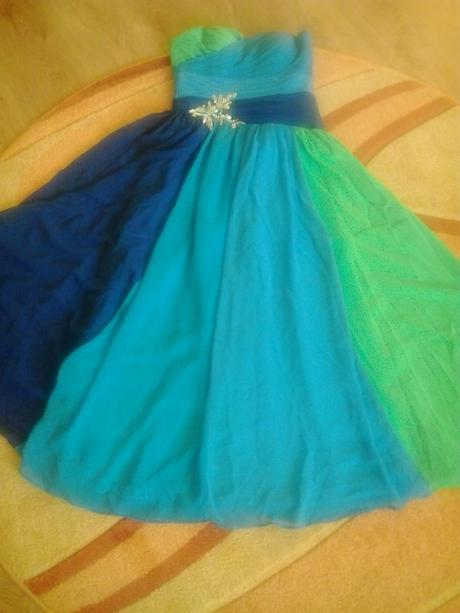 Modrozelené šaty, 38
