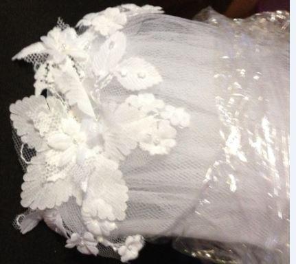 Bílé svat. šaty s rukávky - tyl, krajka, aplikace, 46