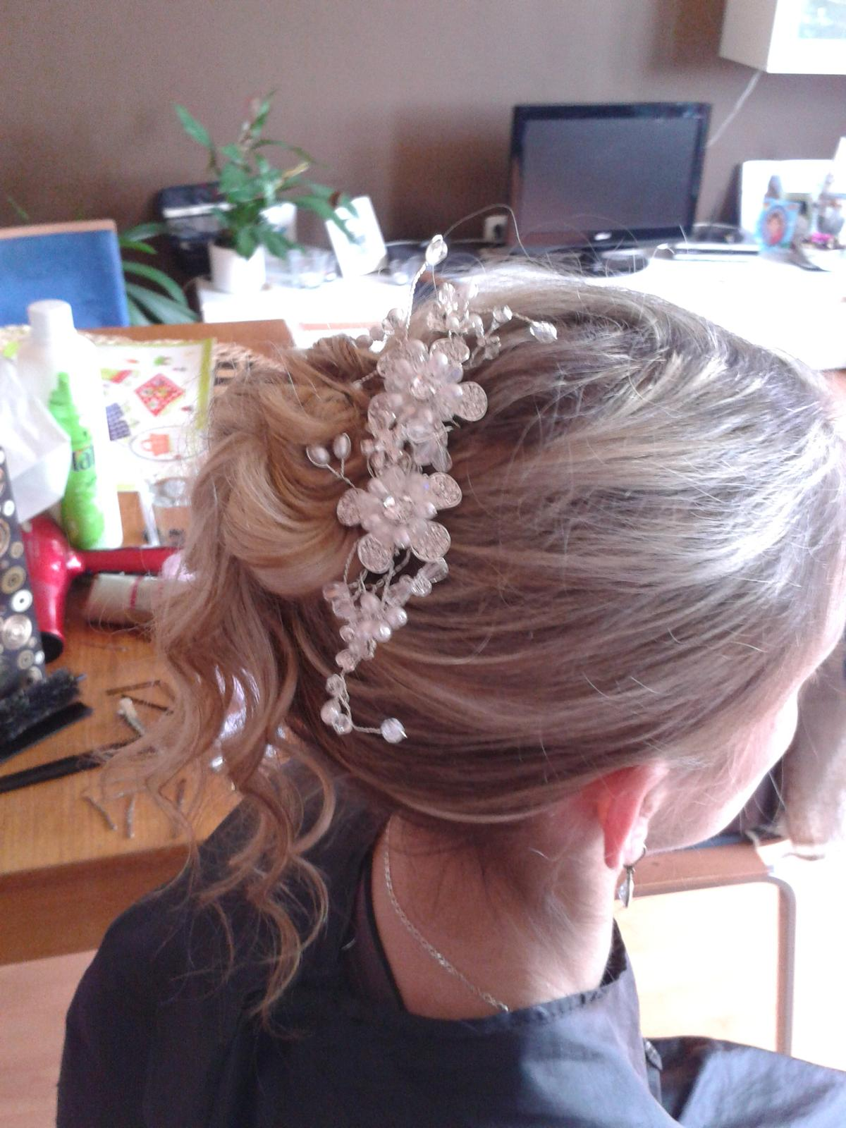 Hřebínek do vlasů pearl flower ii. 7a2e1ac057