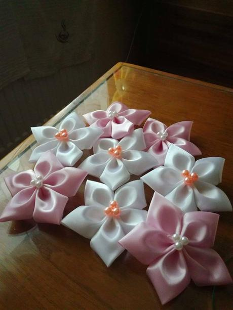 biele kvety,