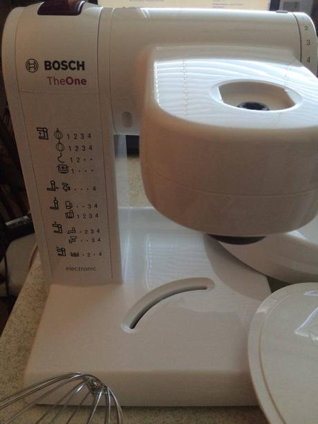 kuchynský robot bosch,