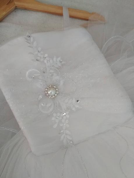 prekrásne šaty , 122