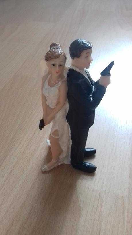Figúrky na svadobnú tortu s poštovným,