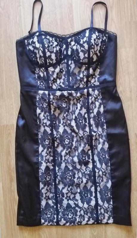 Spoločenské šaty Guess, 36