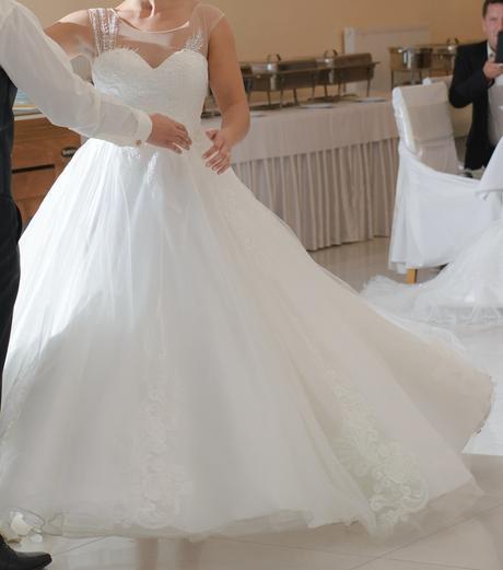Svadobné šaty Tina Valerdi-Elisa, 40