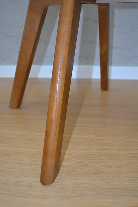 Stolička Oliver biela, nohy walnut - SKLADOM,