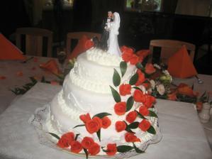 náš dort - a figurka berňáčka, která nemohla chybět :-)