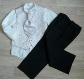 Oblek s ivory vestou, košilí, černé kalhoty, půjčo, 104