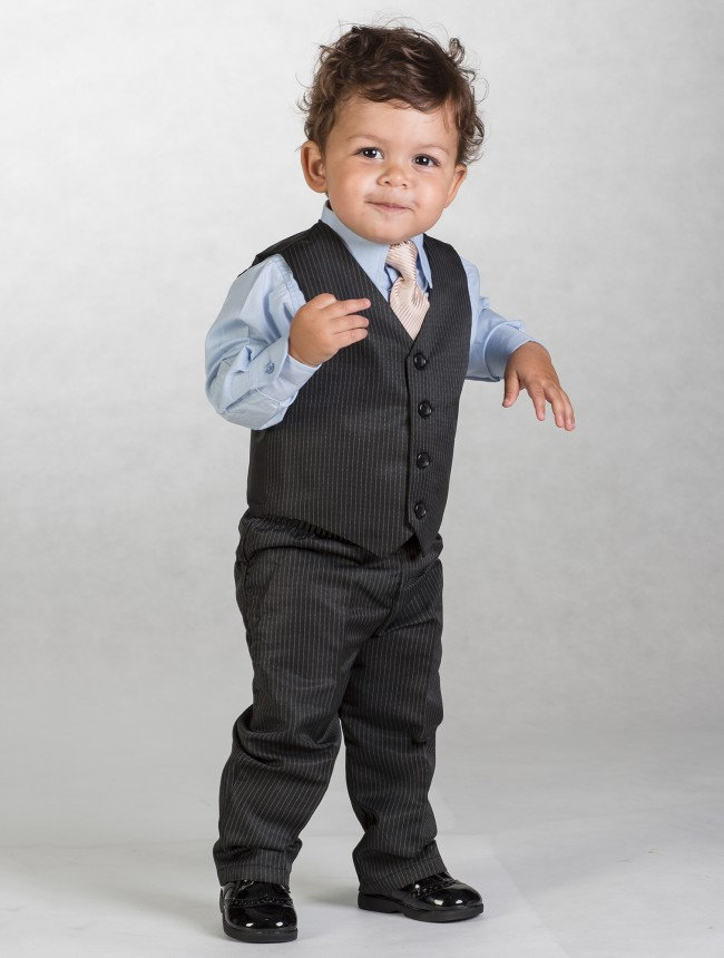 Černý oblek s proužkem, 12-18m - půjčovné - Obrázek č. 2