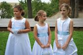 Bílé šaty pro družičku, k půjčení, 140