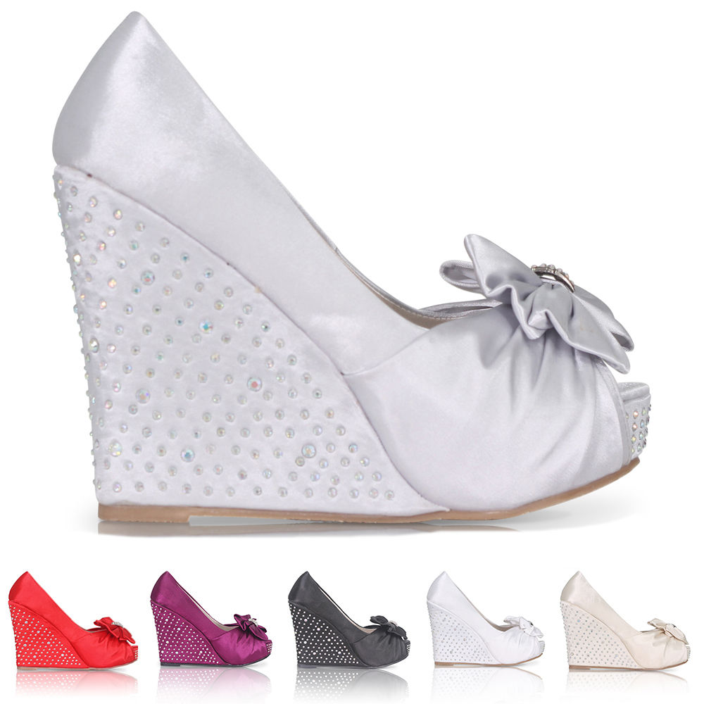 Stříbrné saténové boty, vysoký klínek, 36-41 - Obrázek č. 1