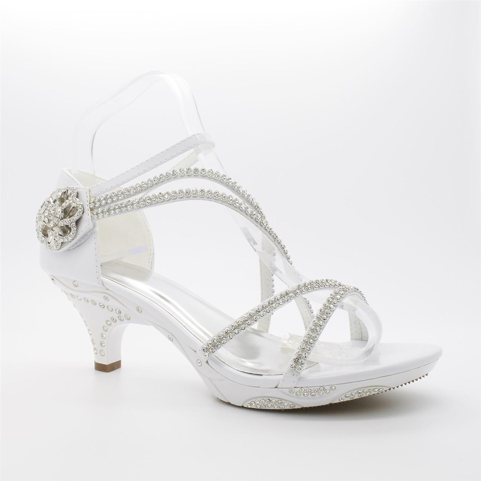 Bílé svatební sandálky, nízký podpatek - Obrázek č. 1
