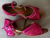 Růžové taneční, dětské společenské sandálky, 34