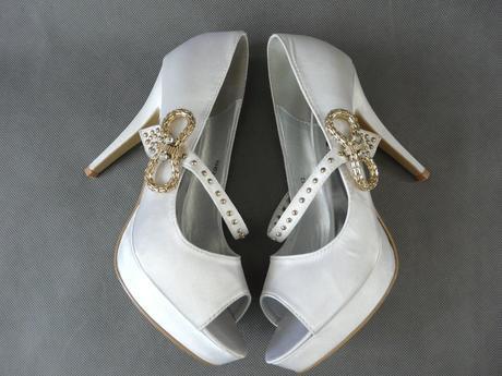 Bílé svatební lodičky - 41 - Obrázek č. 3