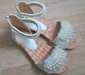Dětské střevíčky, sandálky s perličkami, 35