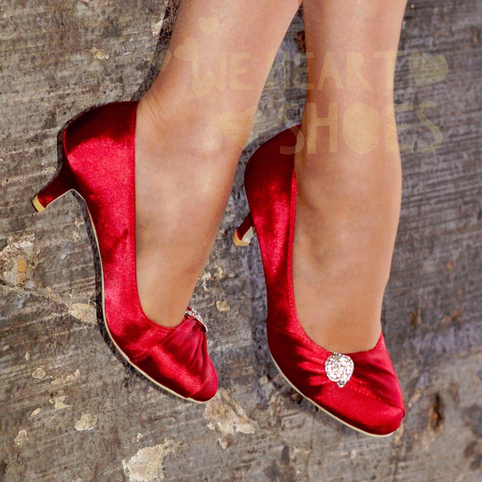 Červené saténové svatební lodičky, nízký podpatek - Obrázek č. 1