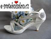 SKLADEM - bílé svatební, plesové sandálky, 40