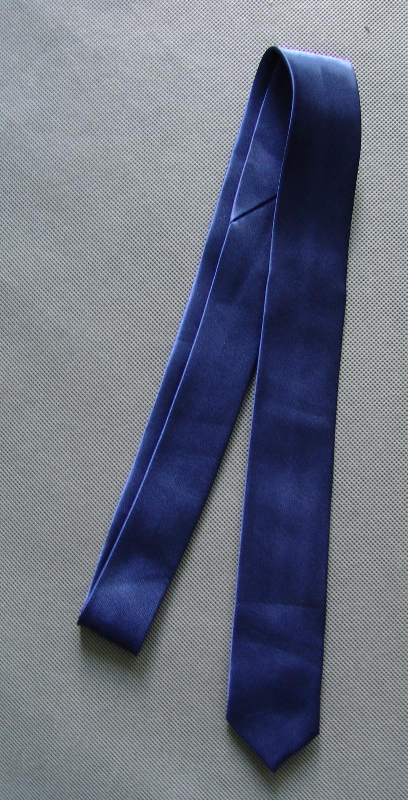SKLADEM - modrá pánská kravata - slim - Obrázek č. 4