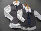 SKLADEM - k zapůjčení šedý oblek, 3-4 a 6-7 let, 122