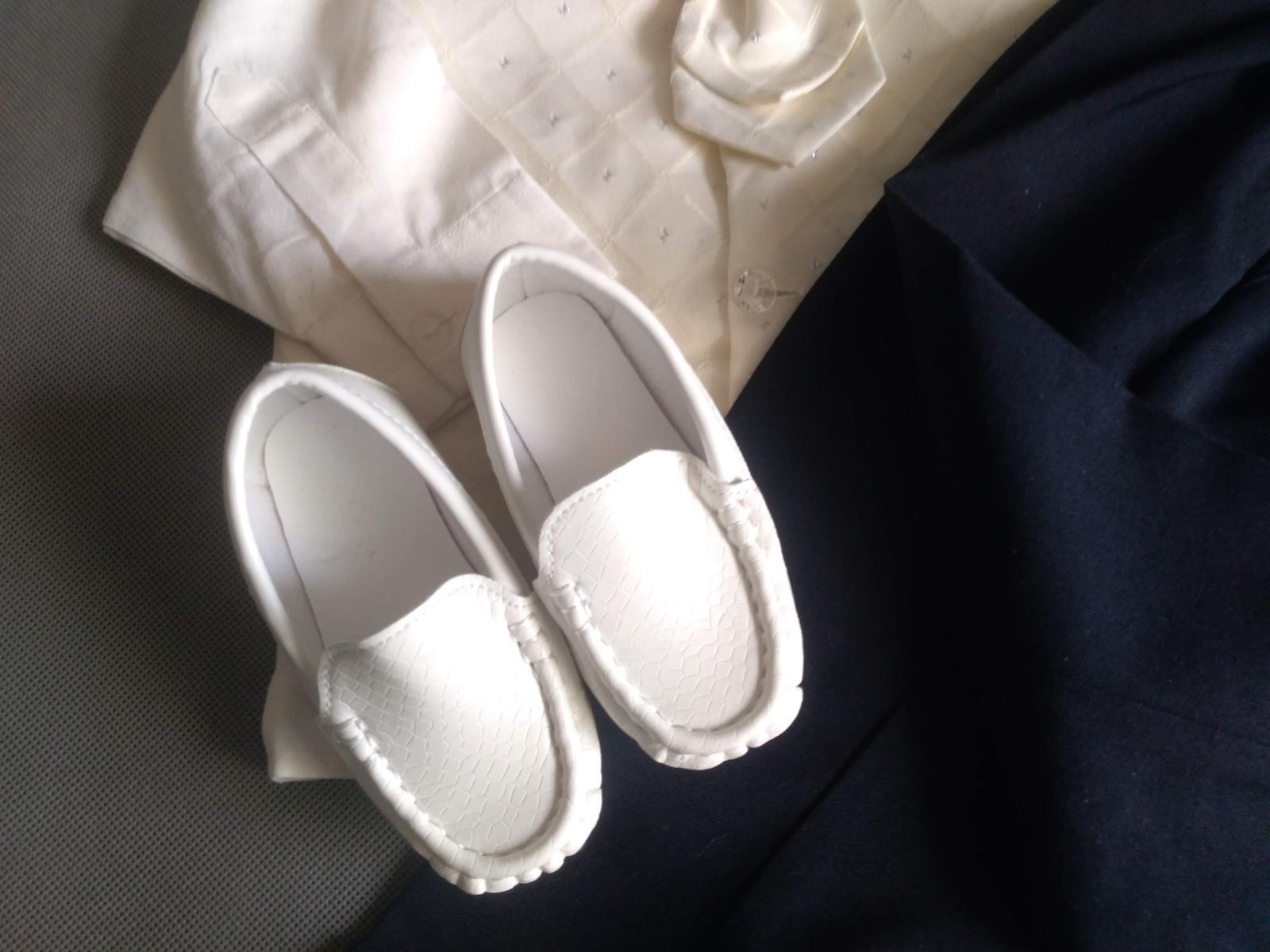 SKLADEM - k zapůjčení ivory oblek 12-18 měsíců - Obrázek č. 4