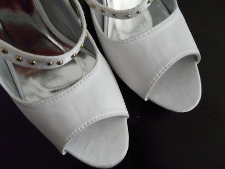 SKLADEM - SLEVA - bílé saténové lodičky - Obrázek č. 4