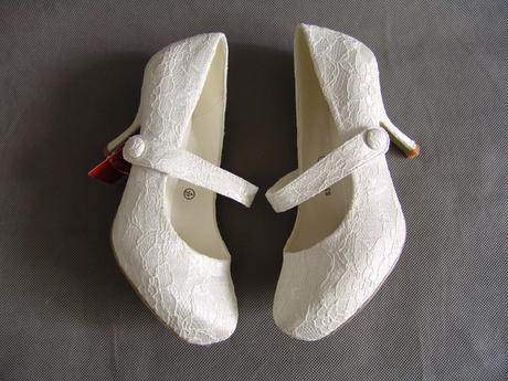 SKLADEM - ivory krajkové lodičky - Obrázek č. 3