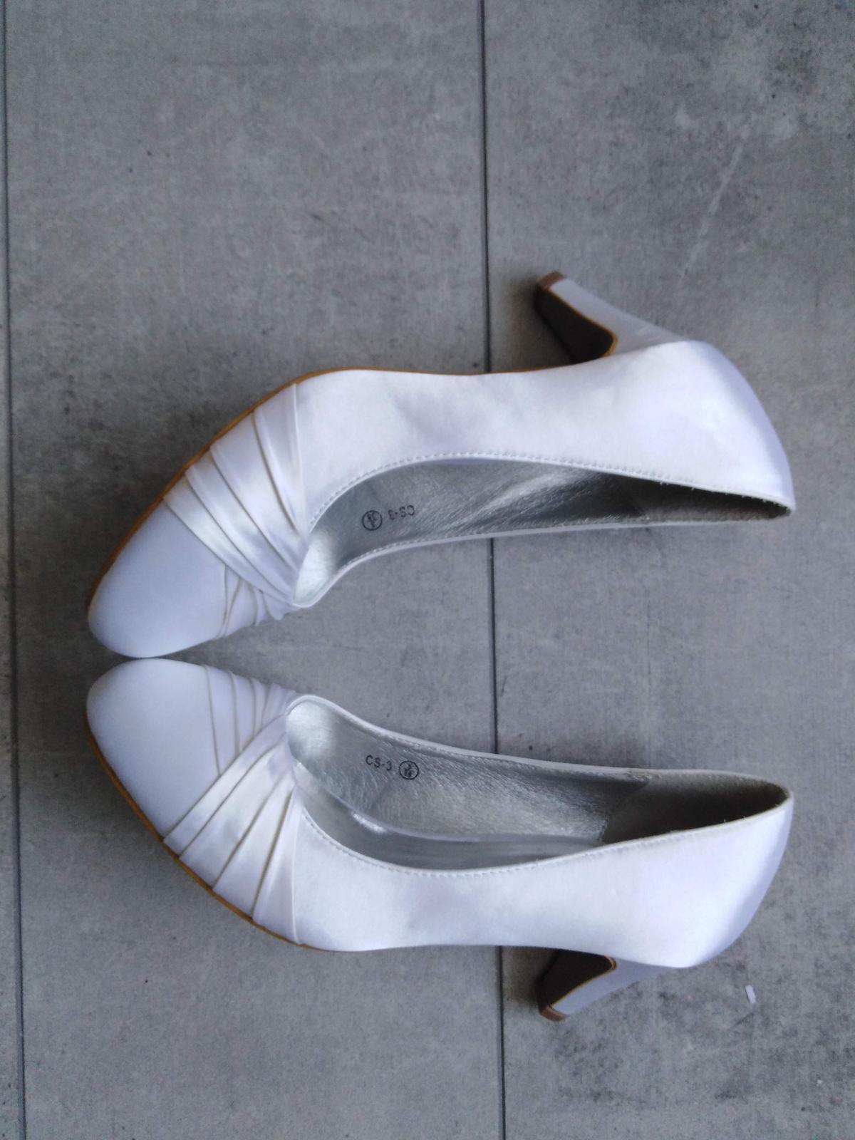 SKLADEM - bílé saténové lodičky - Obrázek č. 4