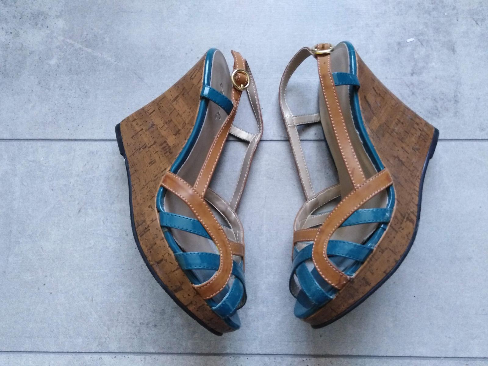 SKLADEM - boty na klínku - Obrázek č. 1