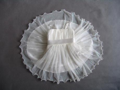 SKLADEM - třpytivé šaty se spodničkou - Obrázek č. 1