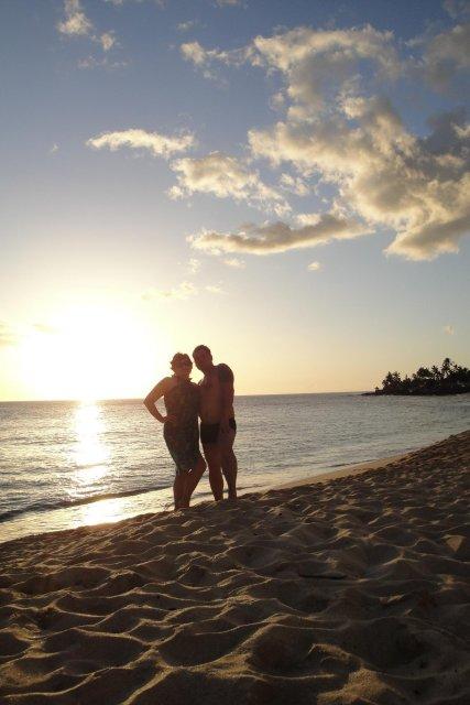 Denisa{{_AND_}}Gabriel - Makaha Beach,Oahu